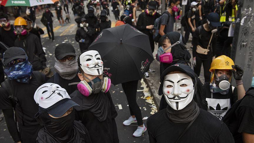 Hong Kong: adoption d'une loi interdisant aux manifestants de dissimuler leurs identités