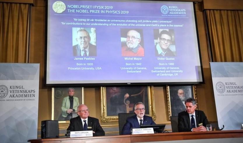 Le Nobel de physique décerné aux astronomes Peebles, Mayor et Queloz