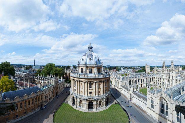 Un professeur d'Oxford accusé d'avoir vendu sans autorisation des papyrus bibliques