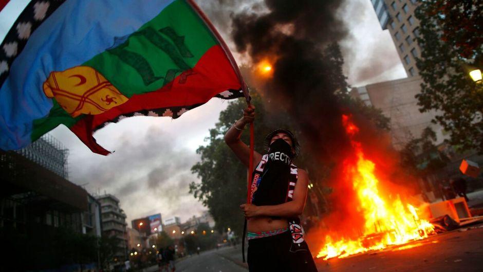Une flambée de manifestations dans le monde depuis début octobre
