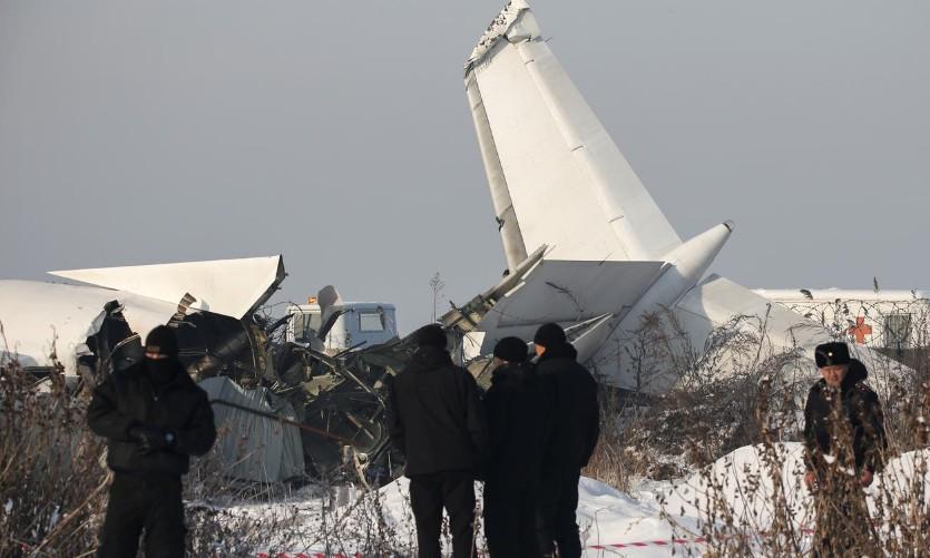 Un avion s'écrase au décollage au Kazakhstan, 12 morts