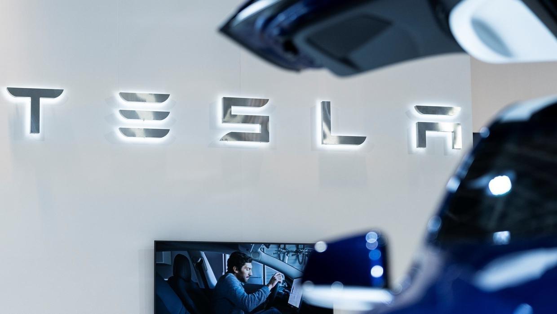 Tesla: de 0 à 100 milliards en moins de 17 ans