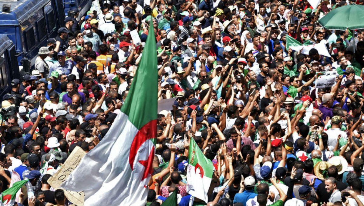 Algérie: report d'une rencontre de la contestation faute d'autorisation