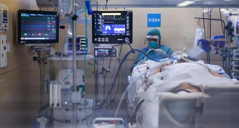 Douleur, solitude, peur de la mort: des malades dans le monde témoignent