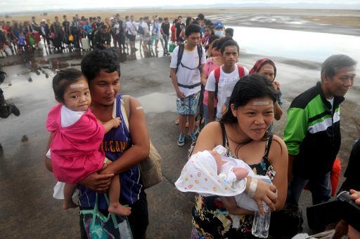 Philippines: la colère monte chez les survivants face à la lenteur de l'aide