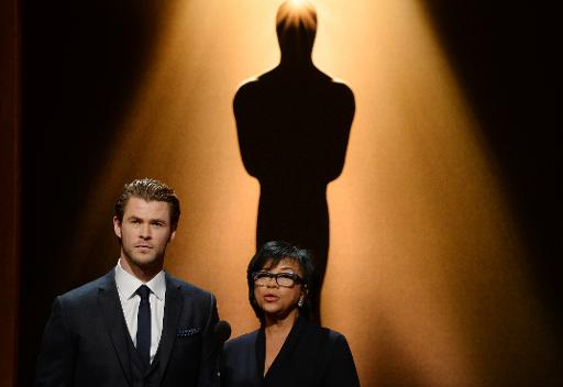 Chris Hemsworth et la directrice de l'Académie des Oscars Cheryl Boone