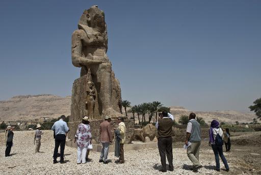 Deux colosses d'Amenhotep III dévoilés en Egypte