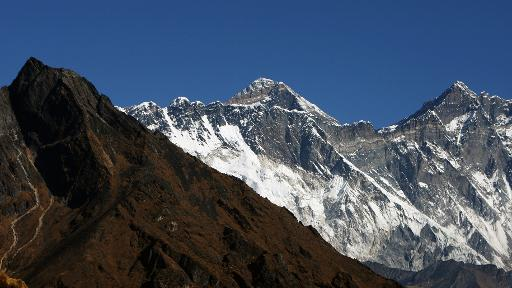 Everest: neuf morts dans l'avalanche la plus meurtrière du sommet