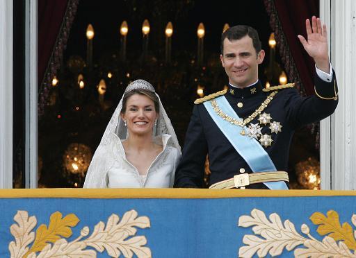 Dix ans après son mariage, la princesse Letizia peine à conquérir les Espagnols