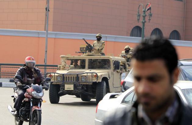 Egypte: un policier tué et au moins 25 autres blessés par l'explosion d'une bombe