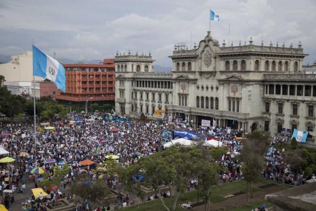 Guatemala-Des milliers de manifestants contre le président