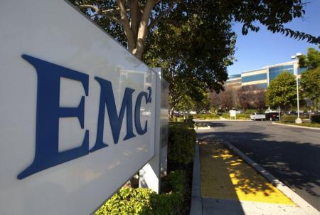 Dell rachète EMC pour 67 milliards de dollars, fusion record