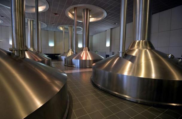 Bière: AB InBev et SABMiller annoncent leurs fiançailles pour près de 100 milliards d'euros