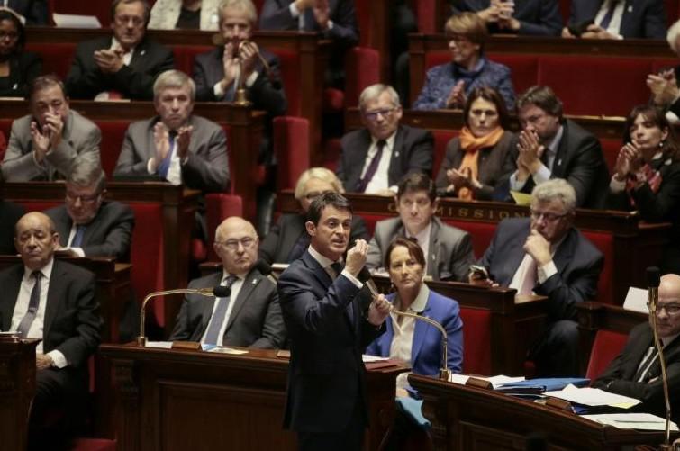Syrie: le Parlement quasi unanime pour prolonger les frappes aériennes françaises