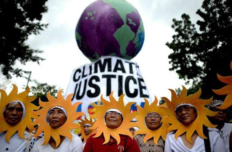 Marches pour le climat à travers le monde, Paris se prépare à la COP21 sous haute sécurité