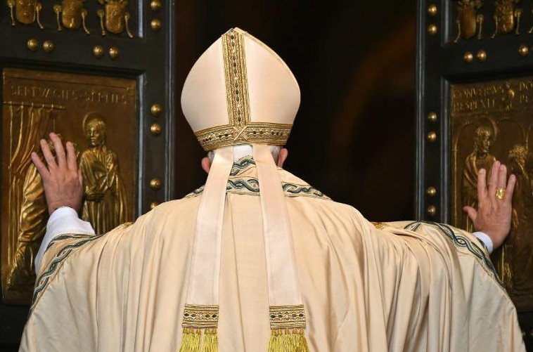 """François lance le """"jubilé de la miséricorde"""", pour une Eglise """"ouverte"""" au monde"""