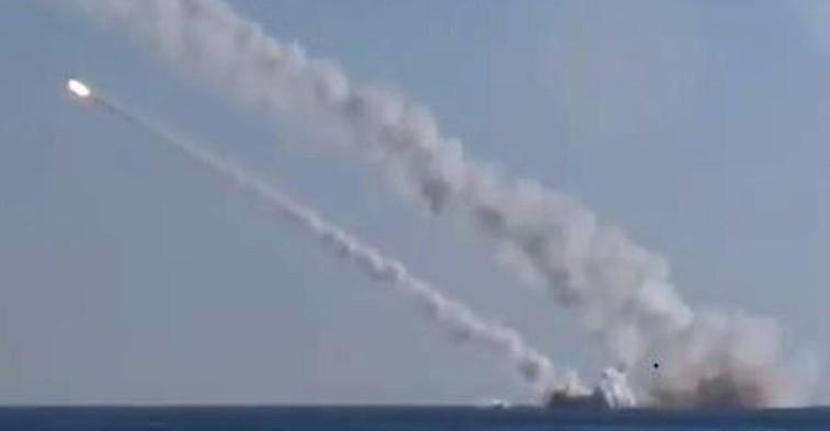 La Russie a frappé des cibles en Syrie pour la première fois depuis un sous-marin