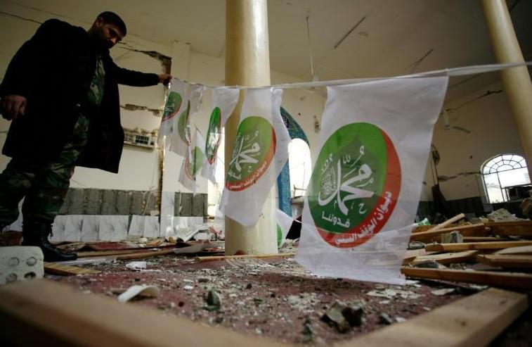Irak: attentats contre deux mosquées sunnites et un muezzin tué