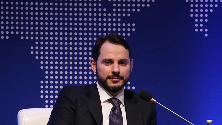 Le ministre turc de l'énergie prévoit une baisse des prix pour les consommateurs