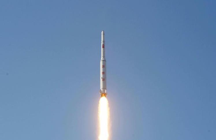 Tirs de semonce de Séoul après le lancement d'une fusée nord-coréenne