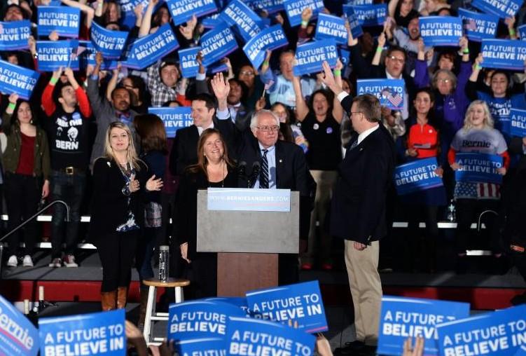 Etats-Unis: Trump et Sanders gagnent le New Hampshire, défaite cuisante pour Clinton