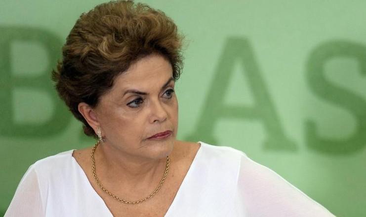 """Brésil: la défense de Rousseff ferraille contre une destitution """"coup d'Etat"""""""