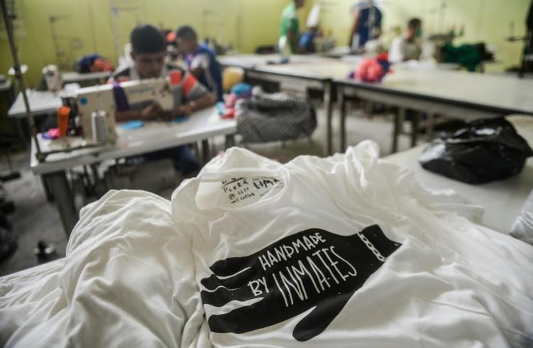 Au Pérou, des vêtements d'une marque lancée par un Français fabriqués en prison