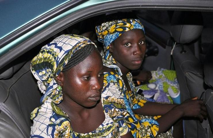 """Nigeria: Boko Haram envoie des """"preuve de vie"""" des lycéennes deux ans après leur enlèvement"""