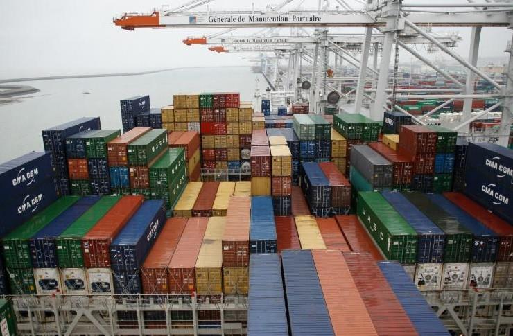 Le déficit commercial se réduit en mars à 4,4 milliards d'euros