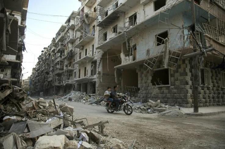 Syrie: plus de 70 morts dans une bataille près d'Alep, selon une ONG