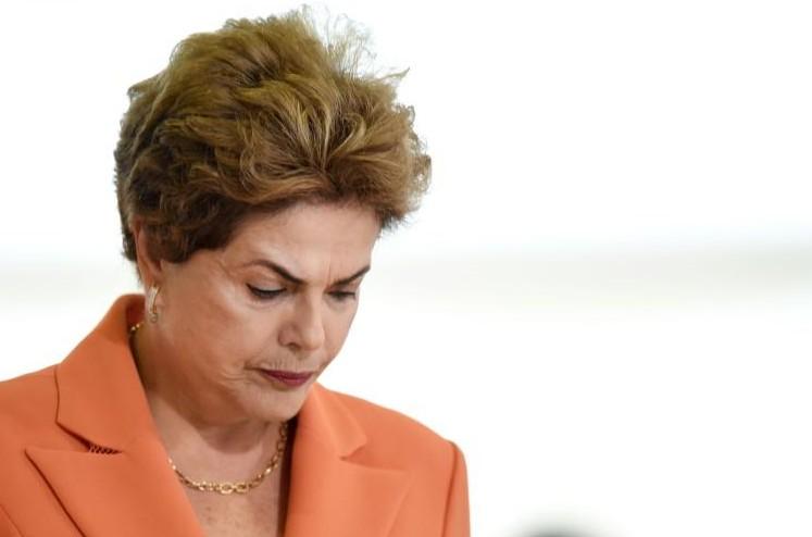 Brésil: le président de l'Assemblée approuve le processus de destitution de Rousseff