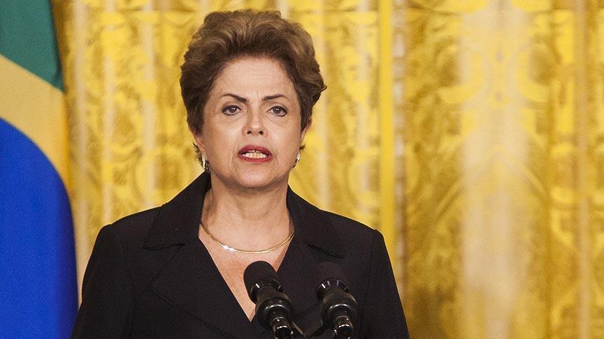 Brésil : Le Sénat suspend la présidente de ses fonctions pour une période de six mois