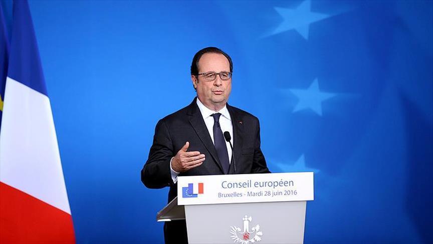 """Hollande: Le Brexit ne peut être """"reporté"""" ni """"annulé"""""""