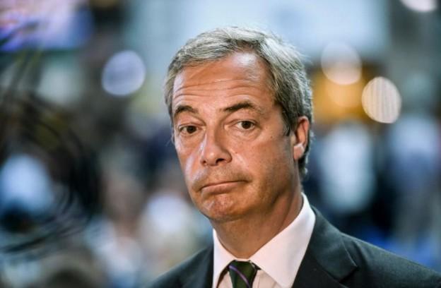 """Brexit: Farage démissionne de la tête de l'Ukip après avoir atteint son """"objectif"""""""