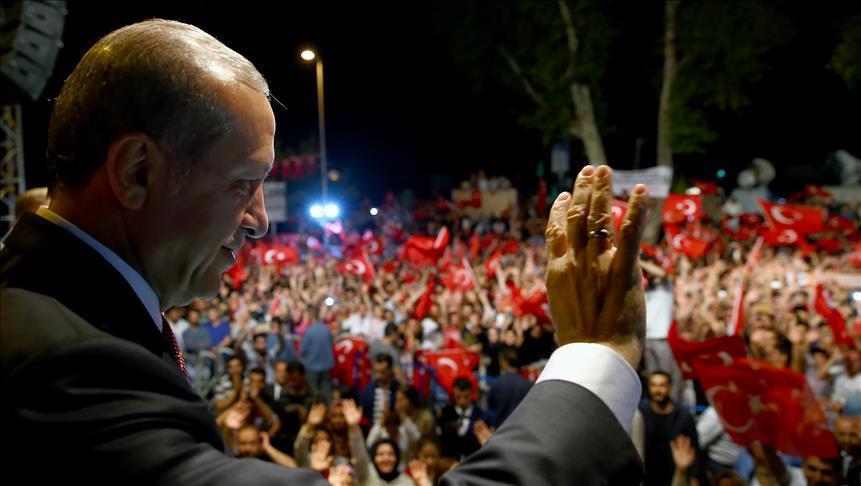Erdogan : Position historique du peuple, de la police, et de l'armée contre la tentative de putsch