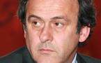 Euro 2012 : Michel Platini accueilli en Ukraine par des manifestants