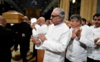 Des centaines de chefs rendent un dernier hommage à Bocuse