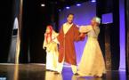 """La troupe """"Théâtre Tensift"""" à la rencontre des Marocains d'Abidjan"""