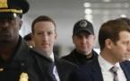 Zuckerberg monte au front politique pour défendre Facebook
