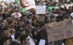 Algérie: la télévision d'Etat diffuse des images des manifestations contre un 5e mandat