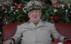 Le Chef d'état-major algérien appelle le peuple à soutenir l'armée pour surmonter la crise