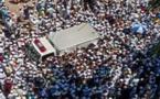 Plus de cent mille Bangladais aux funérailles d'un leader islamiste