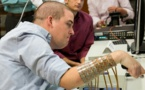 Un tétraplégique parvient à utiliser sa main grâce à un logiciel, une première