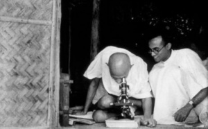Des photographies rares de Mahatma Gandhi exposées à Fès
